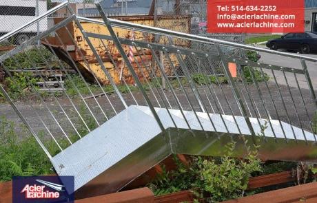 Escalier droit extérieure galvanisée | Steel exterior stair galvanised | Acier Lachine, Montreal, Quebec | www.acierlachine.com | +1-514-634-2252